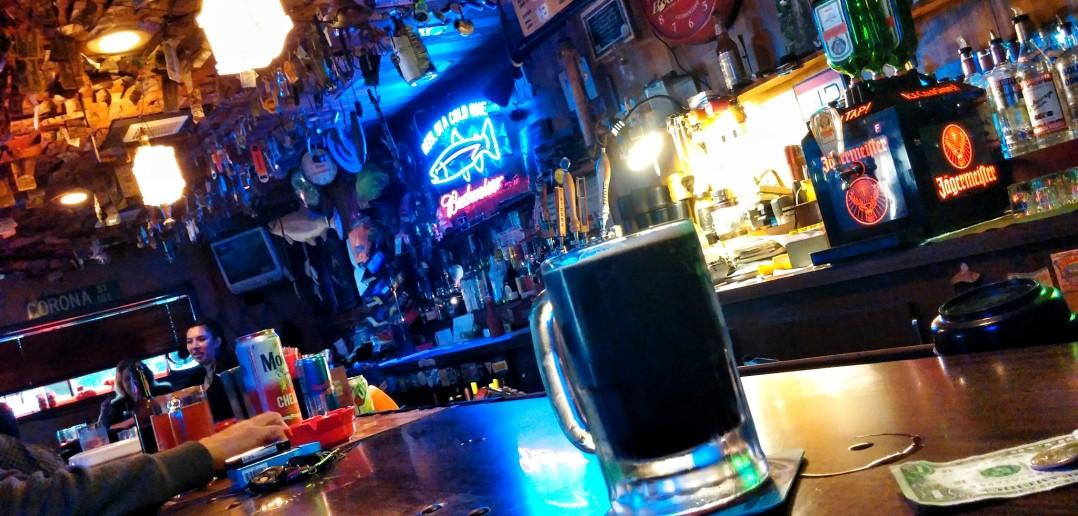 country club bar and grill klamath ca