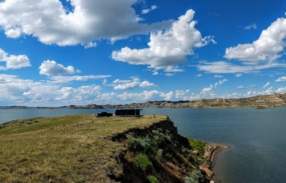camping on fort peck lake